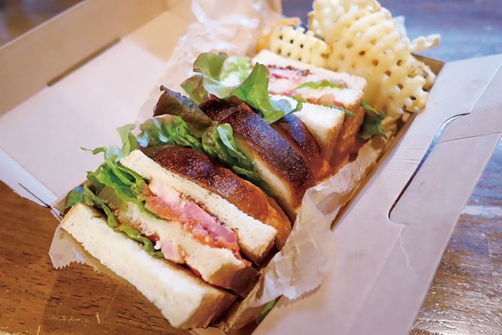 cafe&dining Passeretti:BLTサンド(ポテト・スープ付き)