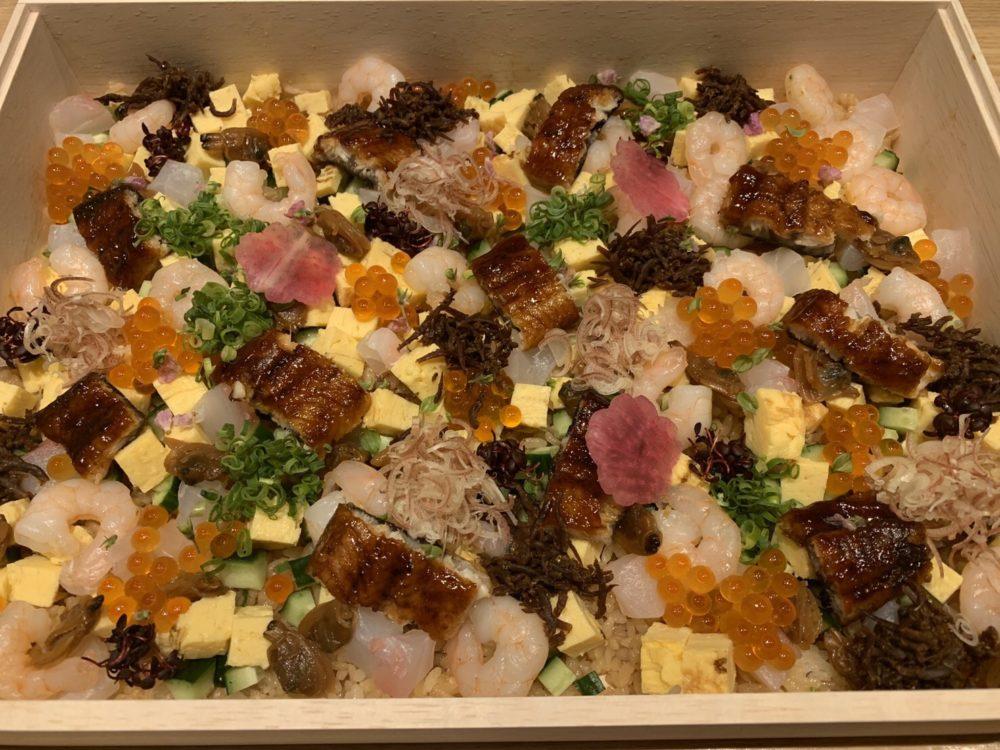 くずし之助:木箱入り極上ちらし寿司