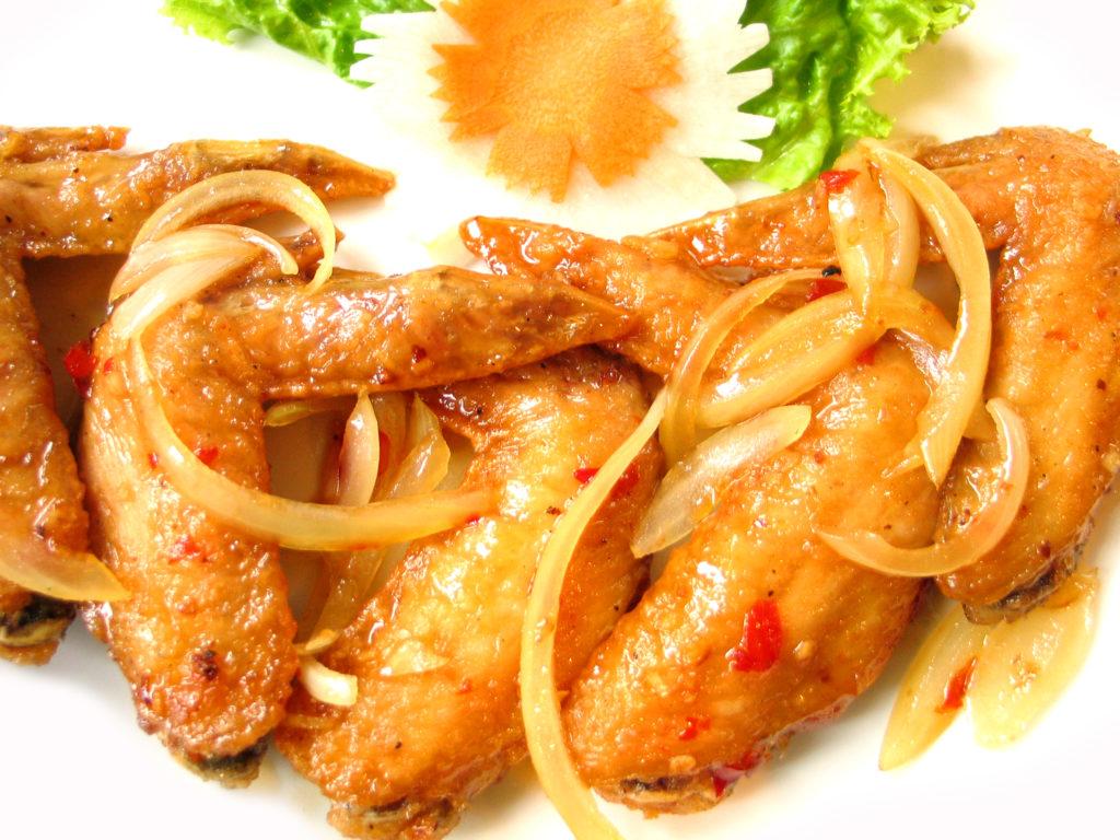 フォーハノイセカンド板屋町店:鶏の手羽先揚げ