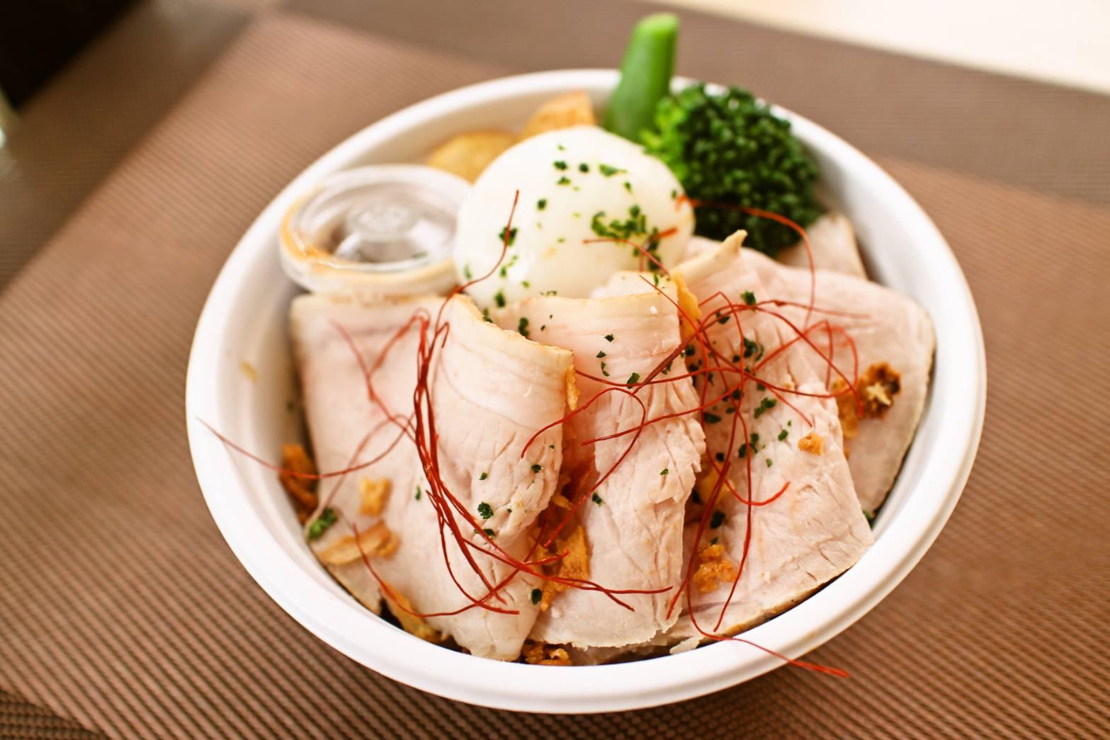 クロッシュ:ローストポーク丼